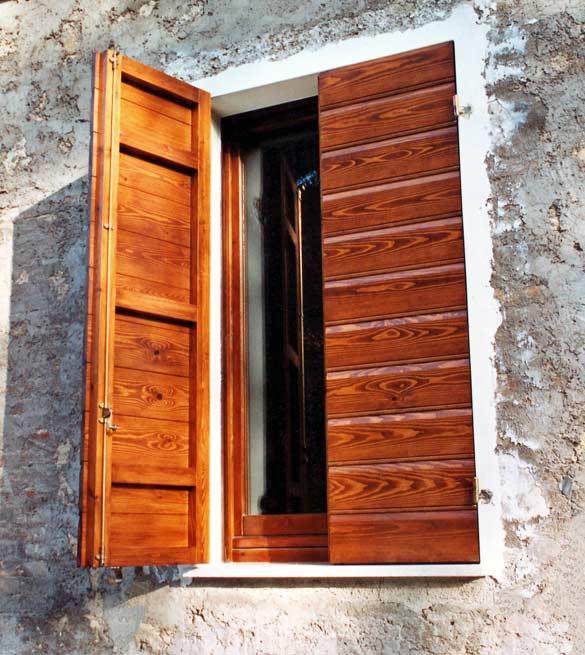 1n-serramenti-legno-antoni-orizzontali-pino