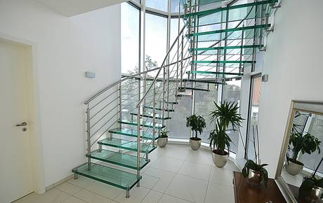 csm_Sevilla_glass_staircase_Siller_stairs_helical__1__78a326a381