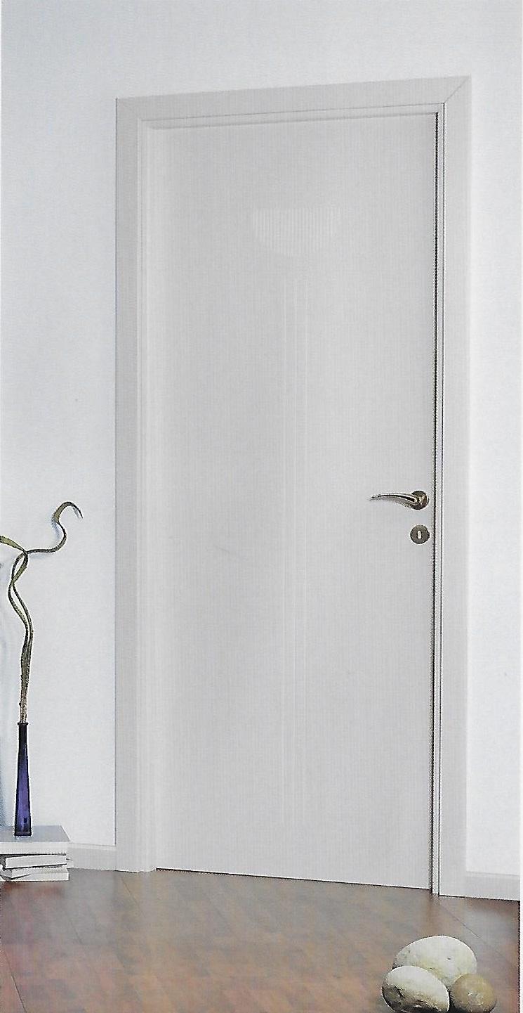 porta moderna bianca